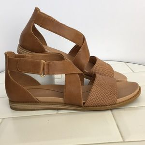 Dr. Scholl's Brown Sandals. Size 9M. NWOT.
